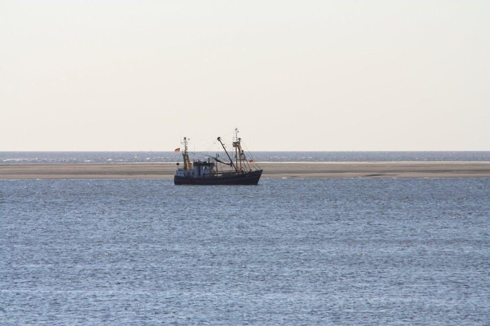 Kutter im Wattenmeer vor Borkum
